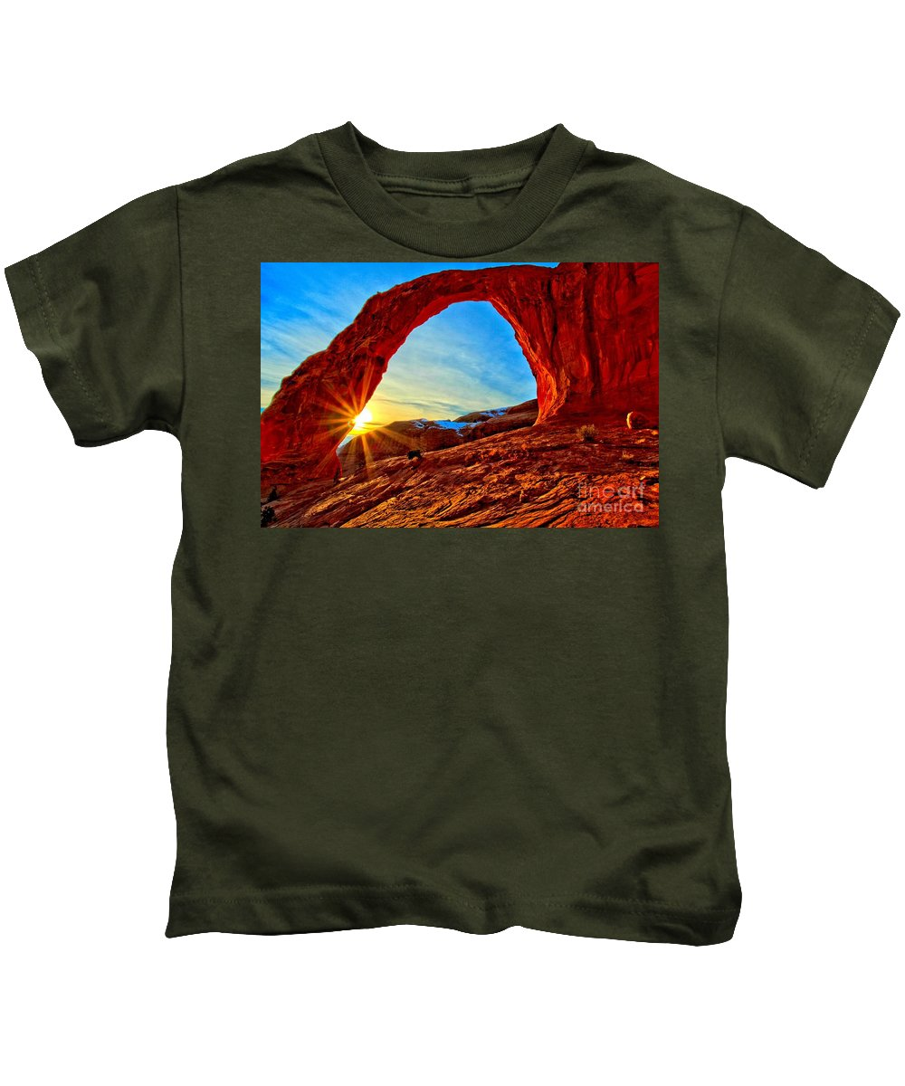 Coronoa Arch Kids T-Shirt featuring the photograph Corona Sun Burst by Adam Jewell