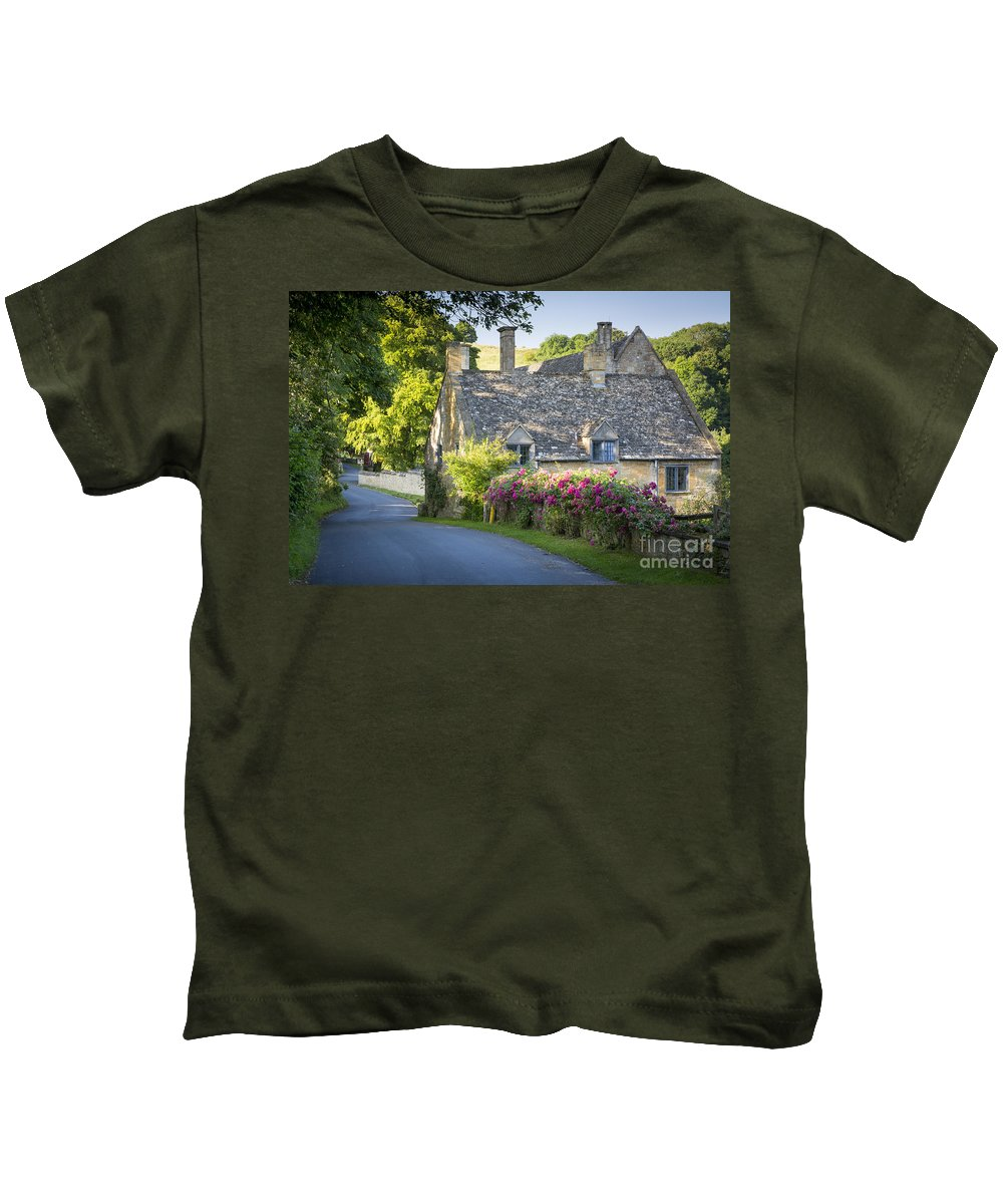 Avenue Kids T-Shirt featuring the photograph Cottage In The Cotswolds by Brian Jannsen