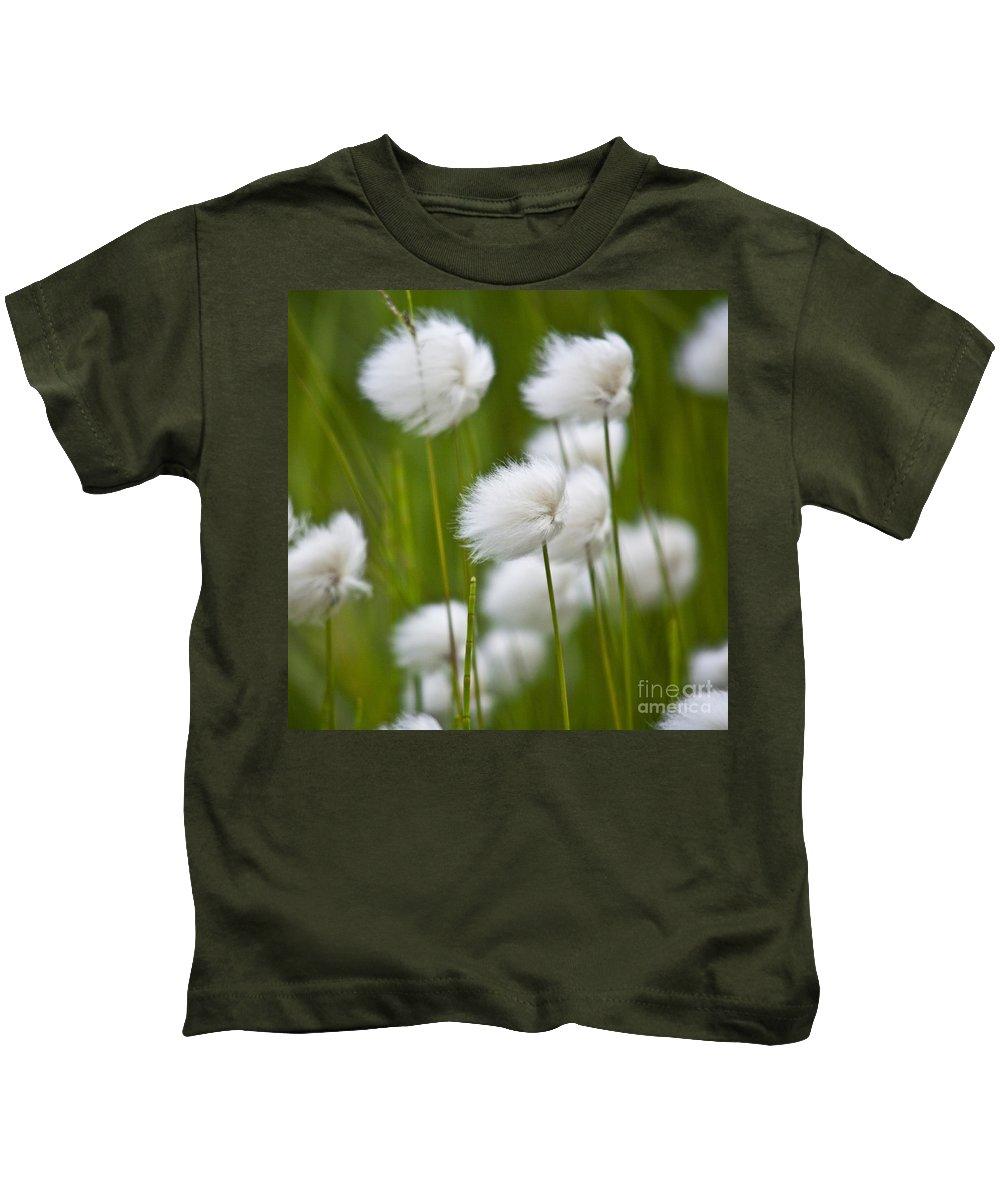 Heiko Kids T-Shirt featuring the photograph Cottonsedge by Heiko Koehrer-Wagner