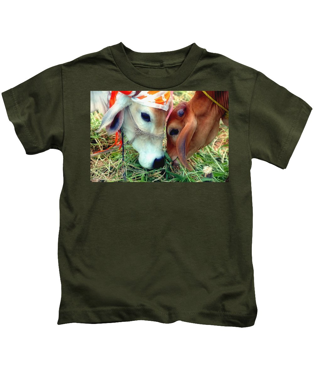Cows From Benin Kids T-Shirt featuring the painting Cows by Jeelan Clark