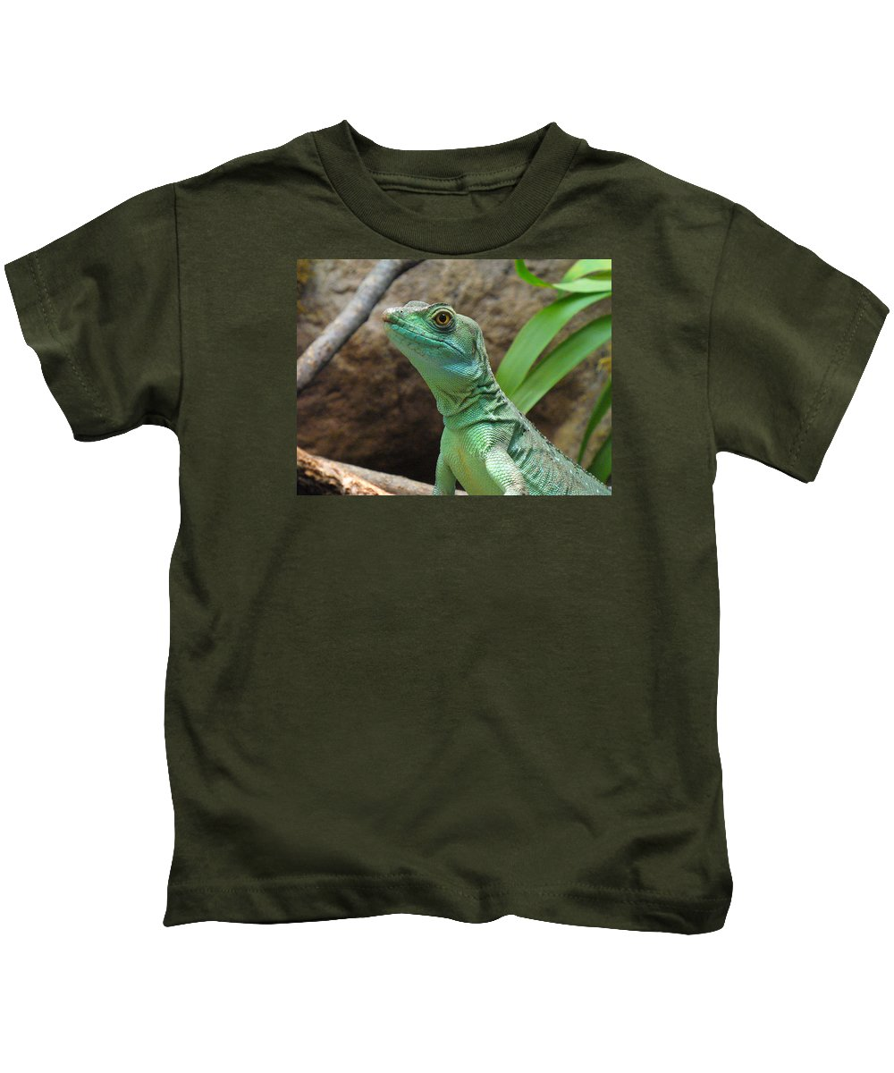 Lizard Kids T-Shirt featuring the photograph Curious Gaze by Lingfai Leung