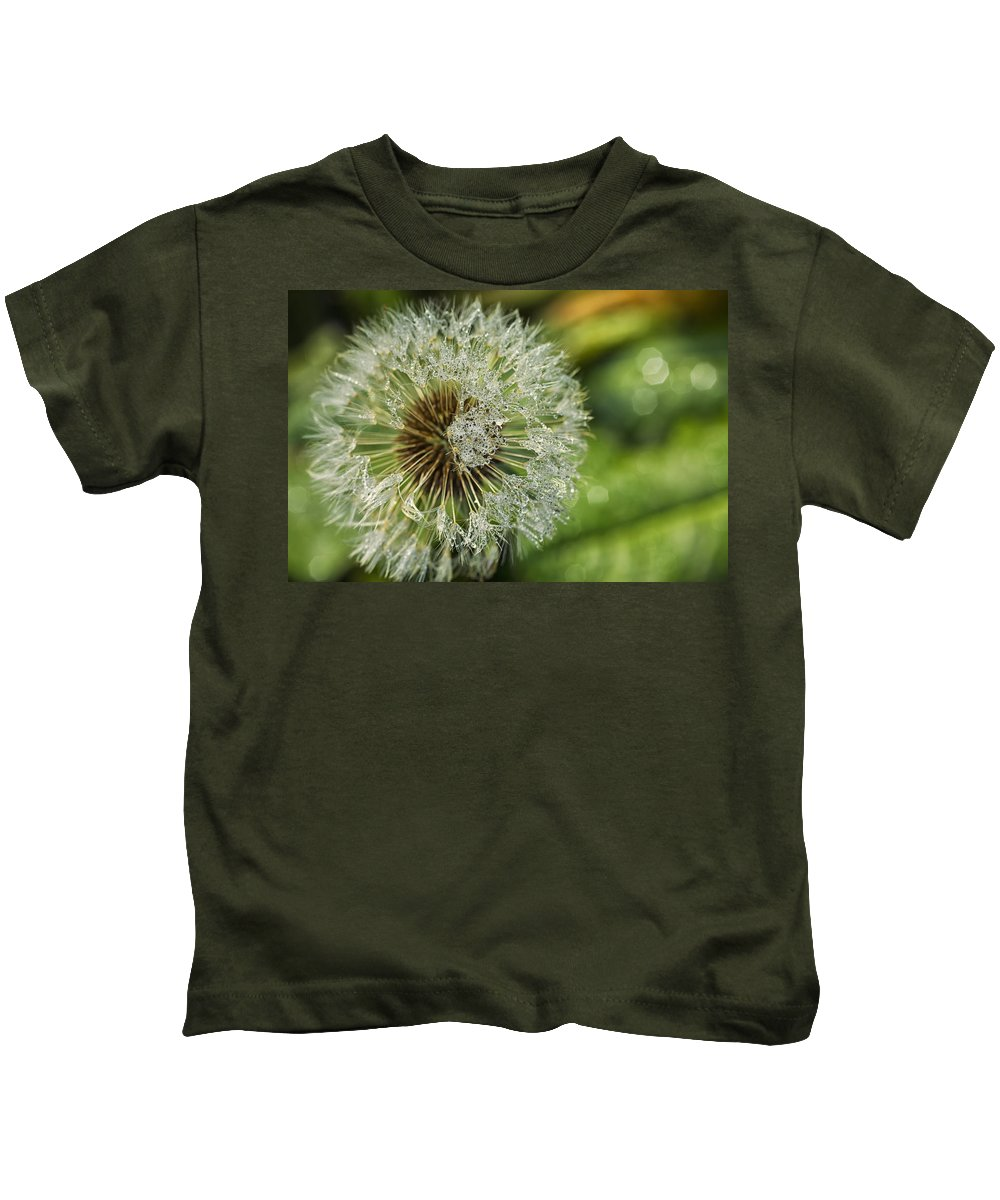 Dandelion Kids T-Shirt featuring the photograph Dandelion With Water Drops by Paulo Goncalves