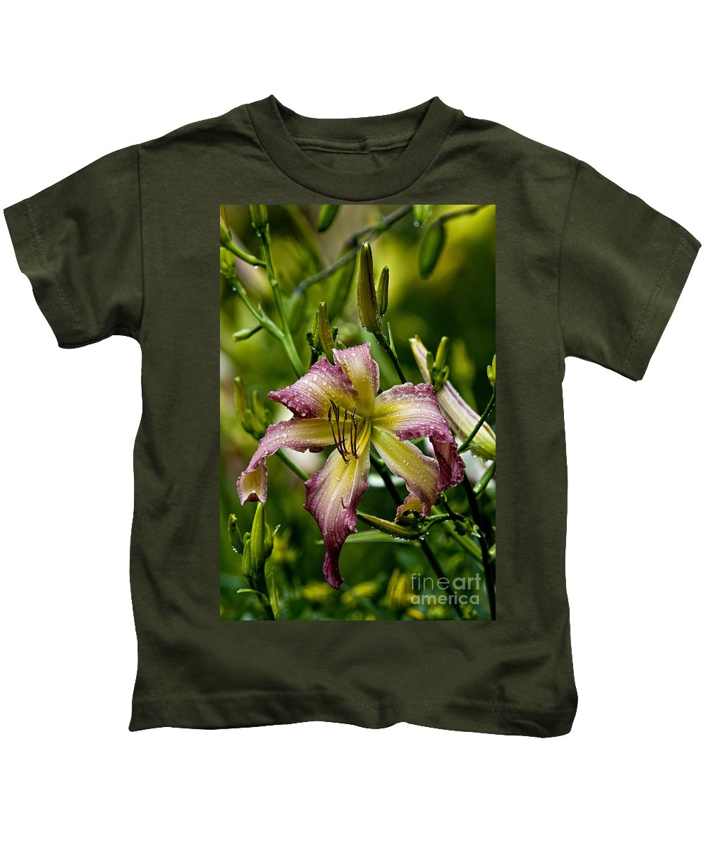 Daylily Kids T-Shirt featuring the photograph Daylily Picture 494 by World Wildlife Photography