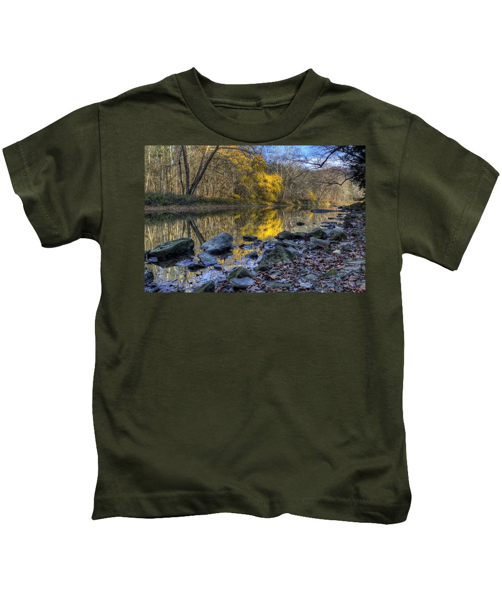 River Kids T-Shirt featuring the photograph Fall Along The Scenic River by David Dufresne