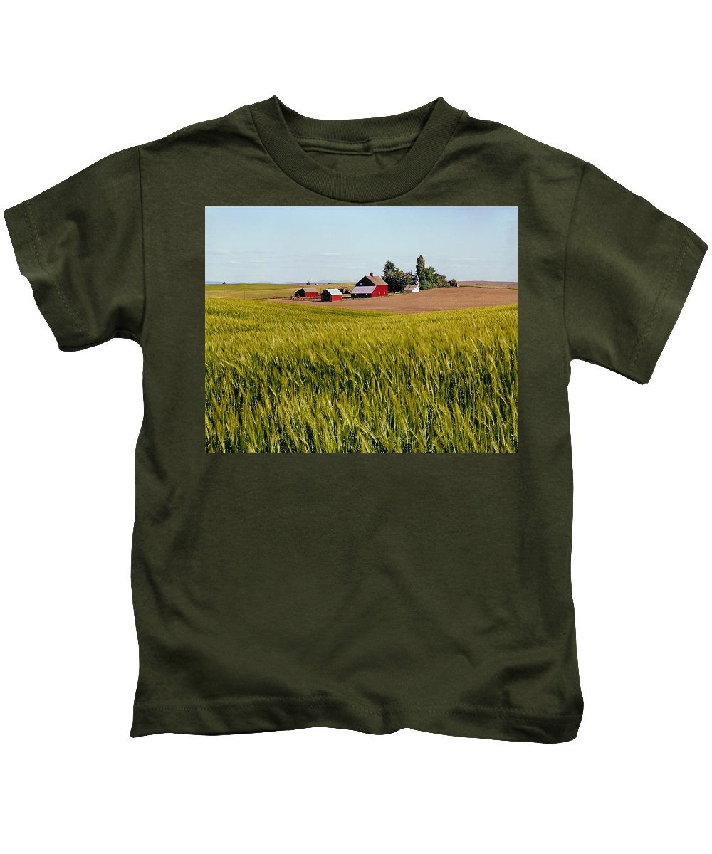 Agricultural Lands Kids T-Shirt featuring the photograph Farmlands Near Davenport by Ed Cooper Photography