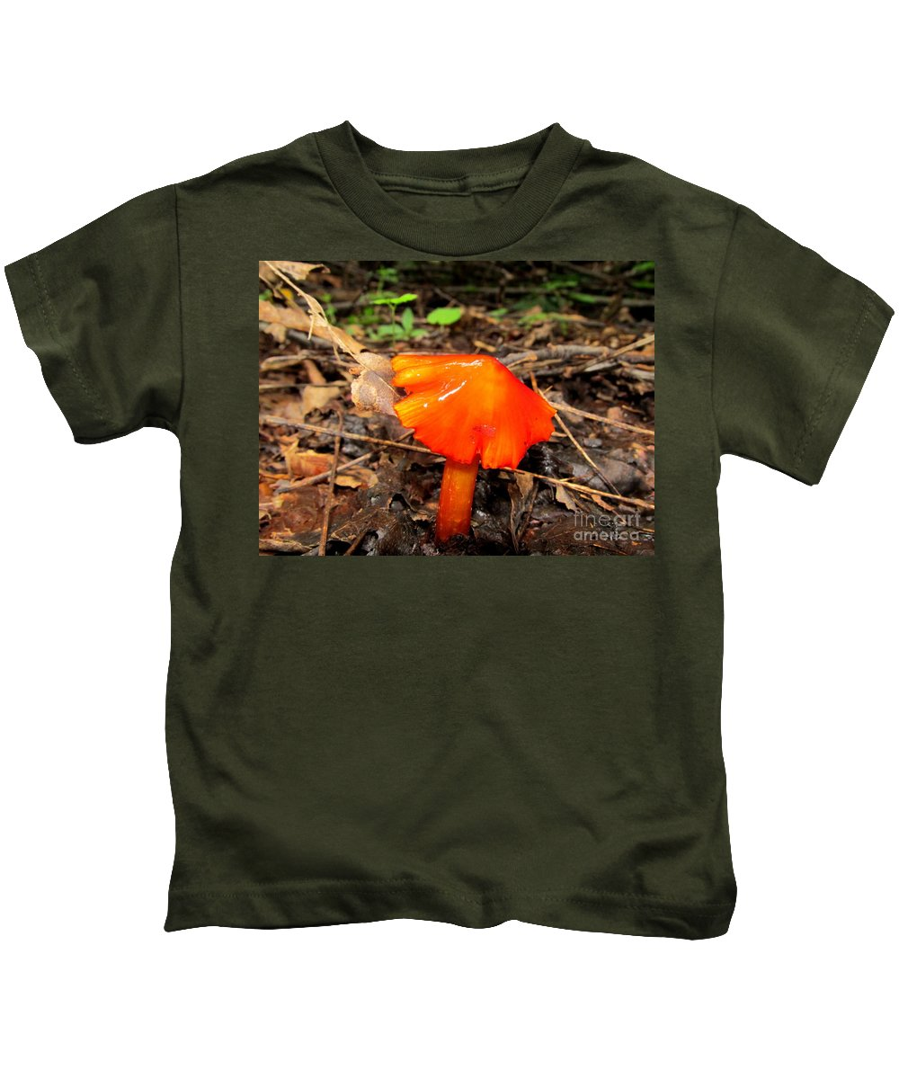 Brilliant Mushrooms Red Mushrooms Red Fungi Bright Orange Fungi Colorful Fungi Forest Flare Preserve Biodiversity Forest Ecosystem Flora Rare Nature Rare Fungi Rare Mushrooms Exotic Flora Exotic Fungi Divine Design In Nature Prints Fine Art America Noth American Mushrooms Of The Mid Atlantic Northeast Appalachian Fungi Species Hygrocybes Beautiful Beings Of Natural Design Concepts Seasonal Forest Fungi Decidious Woodland Flora Mycology Sierra Club Nature Conservancy Kids T-Shirt featuring the photograph Forest Fungi Flare by Joshua Bales