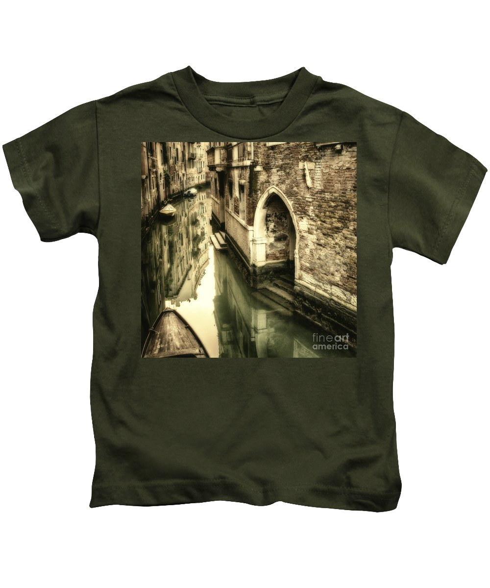 Venice Kids T-Shirt featuring the photograph Front Door In Venice by Beth Riser
