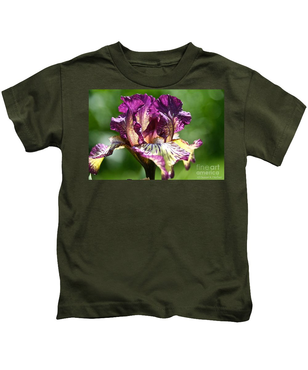 Flower Kids T-Shirt featuring the photograph Gnu Rays by Susan Herber