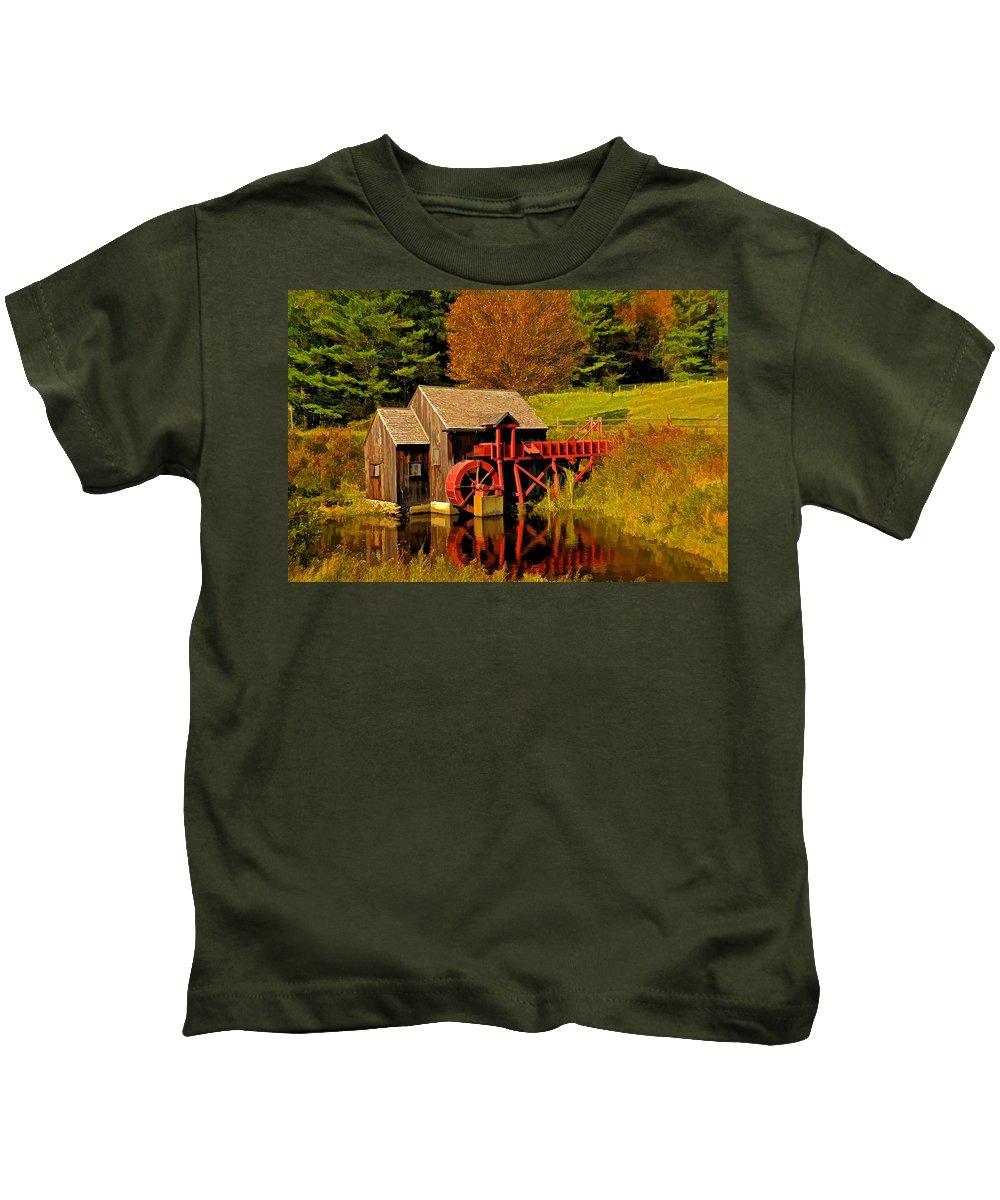 Guildhall Grist Mill Kids T-Shirt featuring the photograph Guildhall Grist Mill by Liz Mackney