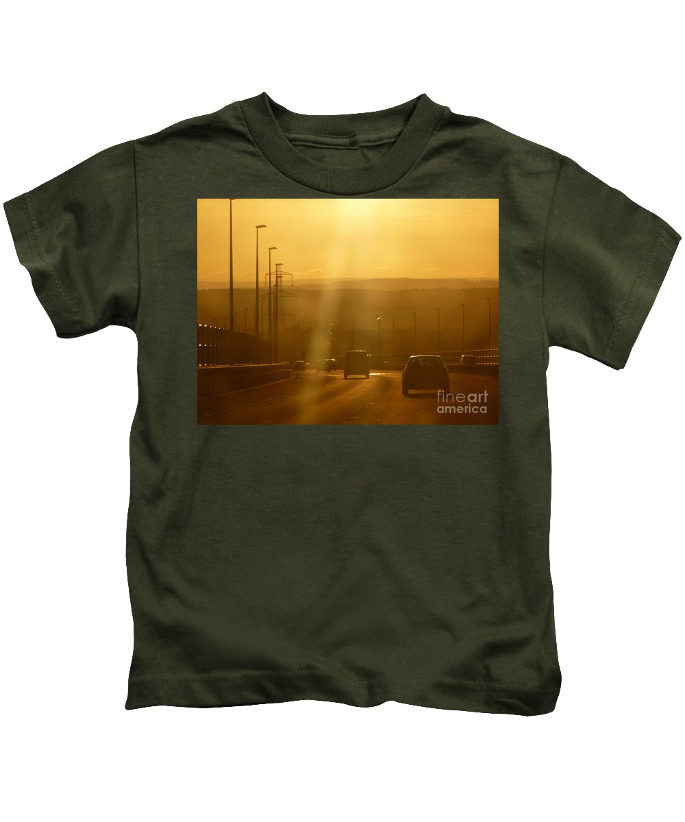 Driving Kids T-Shirt featuring the photograph Heading Home by Vicki Spindler