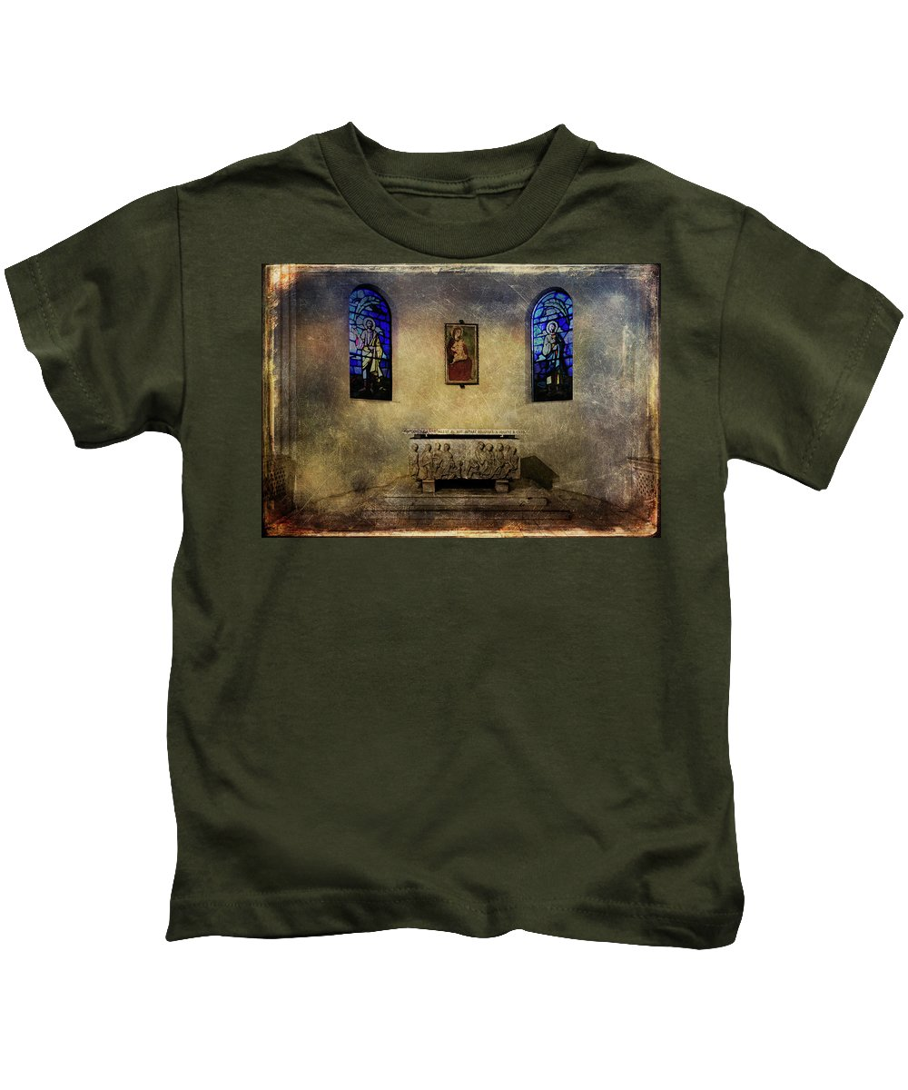 Architecture Kids T-Shirt featuring the photograph Holy Grunge by Roberto Pagani