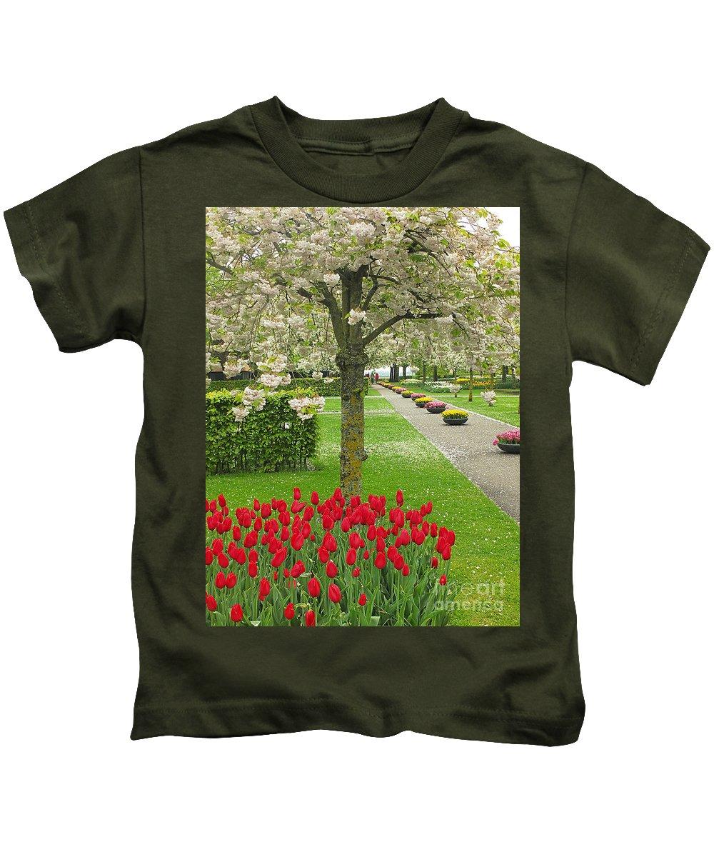 Keukenhof Gardens Kids T-Shirt featuring the photograph Keukenhof Gardens 33 by Mike Nellums