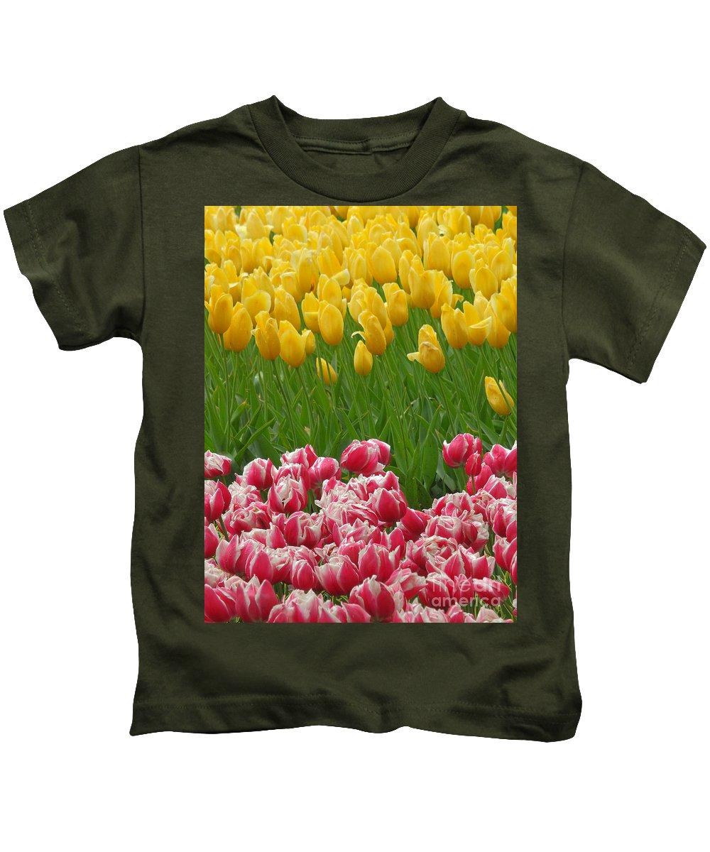 Keukenhof Gardens Kids T-Shirt featuring the photograph Keukenhof Gardens 37 by Mike Nellums