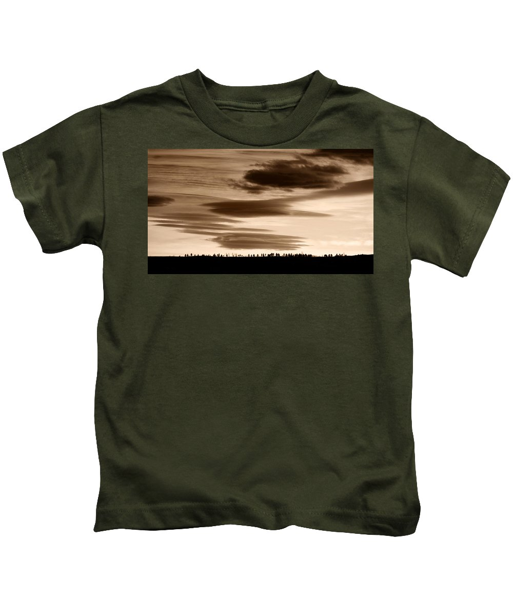 Lenticular Kids T-Shirt featuring the photograph Lenticular Sunset 2 by Marilyn Hunt