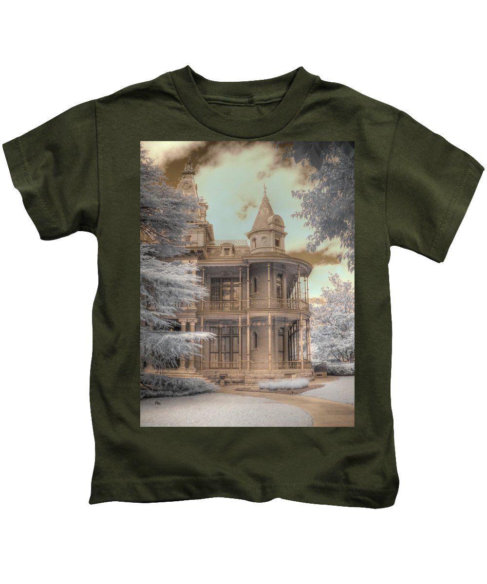 Littlefield Home Kids T-Shirt featuring the photograph Littlefield Mansion by Jane Linders