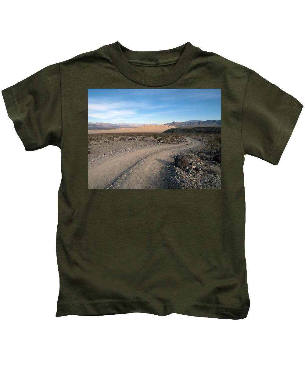 Death Valley Kids T-Shirt featuring the photograph Morning On Steele Pass by Joe Schofield