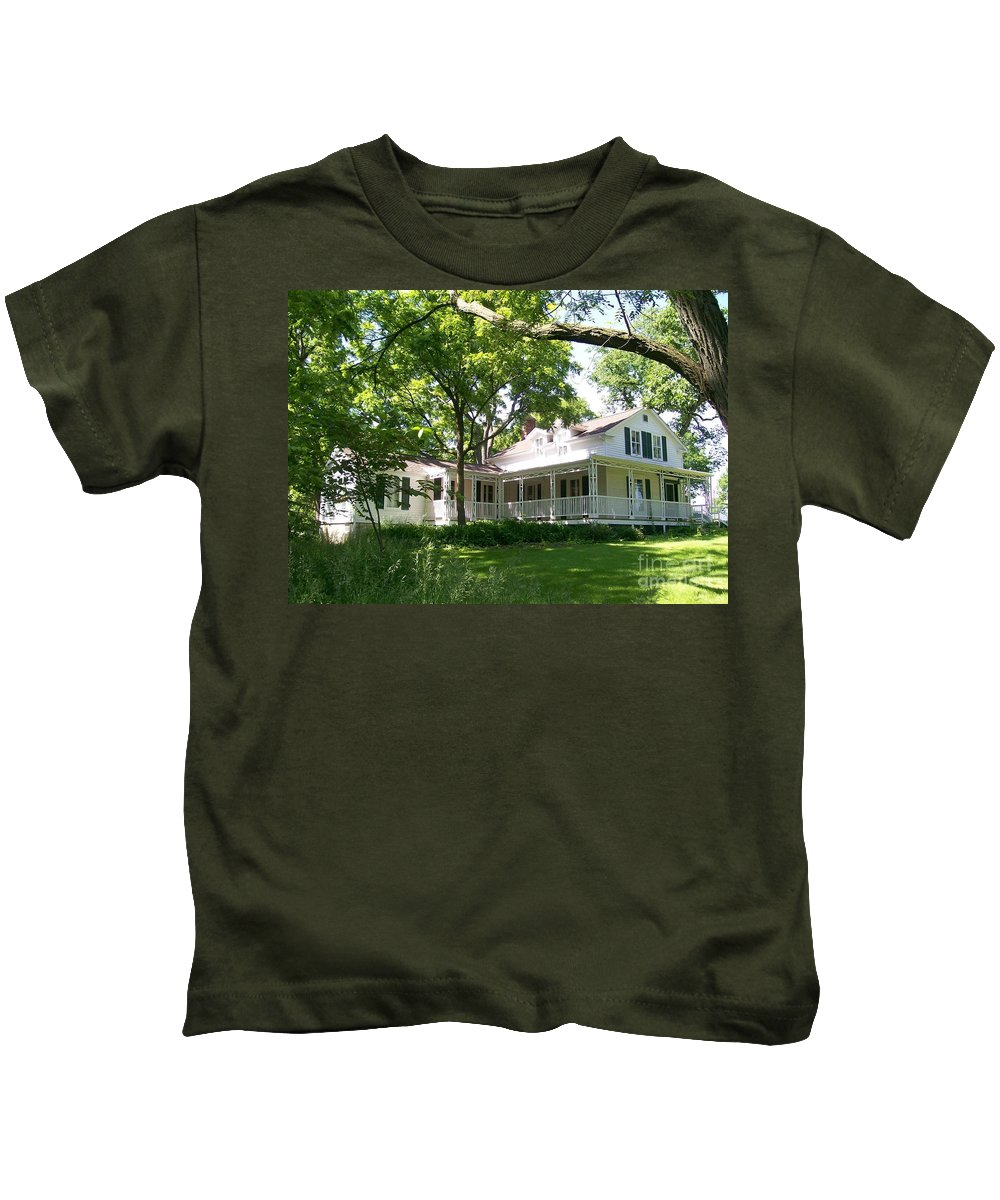 Greene Valley Kids T-Shirt featuring the photograph Oak Cottage At Greene Valley Farm by Laurie Eve Loftin