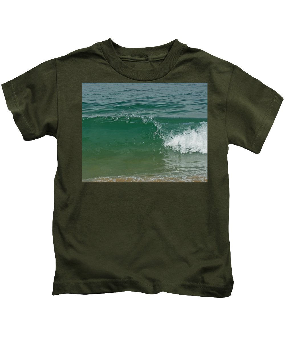 Beach Kids T-Shirt featuring the photograph Ocean Wave 2 by Ernie Echols
