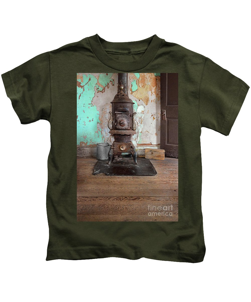 Stove Kids T-Shirt featuring the photograph Old Stove by Jill Battaglia
