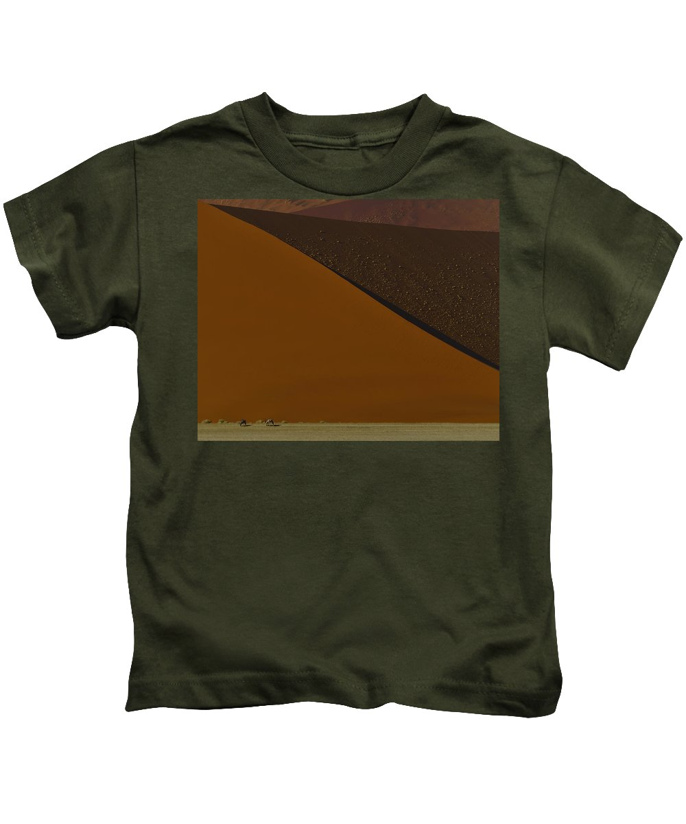 Gemsbok Kids T-Shirt featuring the photograph Oryx On The Edge by Tony Beck