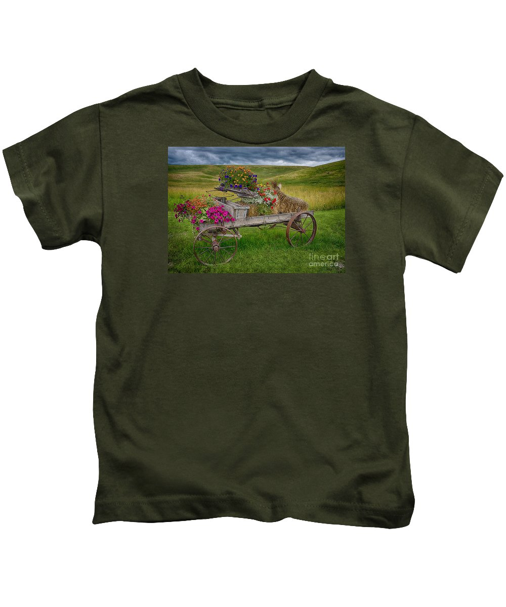 Palouse Welcome Wagon Kids T-Shirt featuring the photograph Palouse Welcome Wagon by Priscilla Burgers