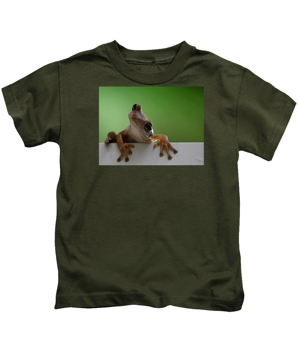 Frog Kids T-Shirt featuring the photograph Panache by Skip Willits