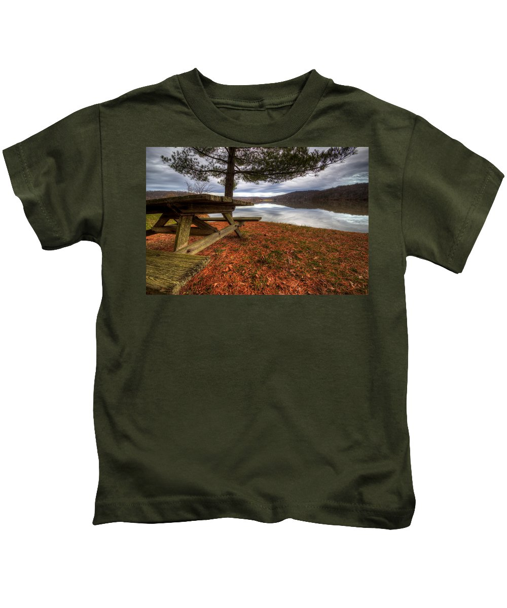 Salt Fork State Park Kids T-Shirt featuring the photograph Picnic On The Lake by David Dufresne