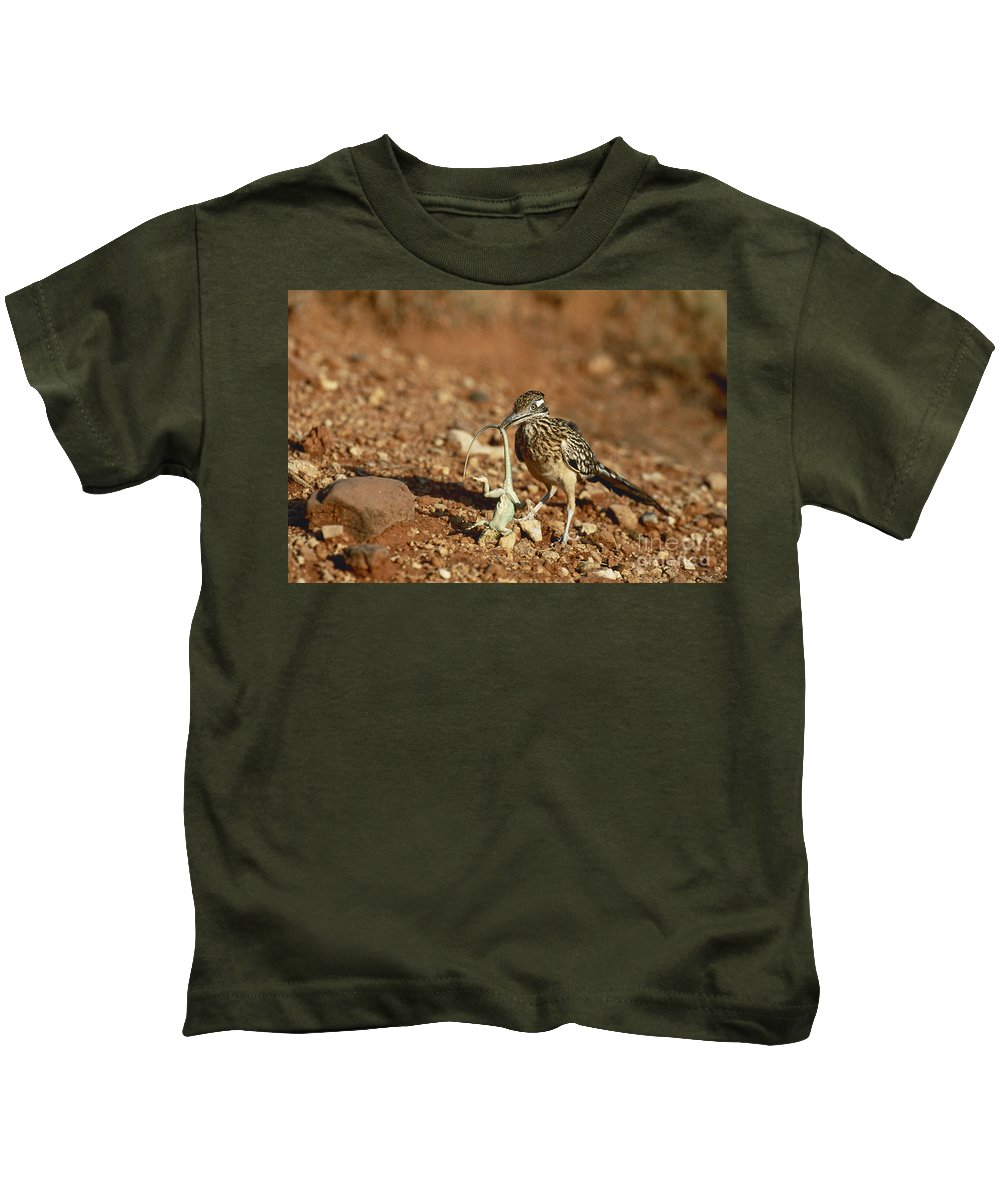 Greater Roadrunner Kids T-Shirt featuring the photograph Roadrunner With Lizard by Wyman Meinzer/Okapia