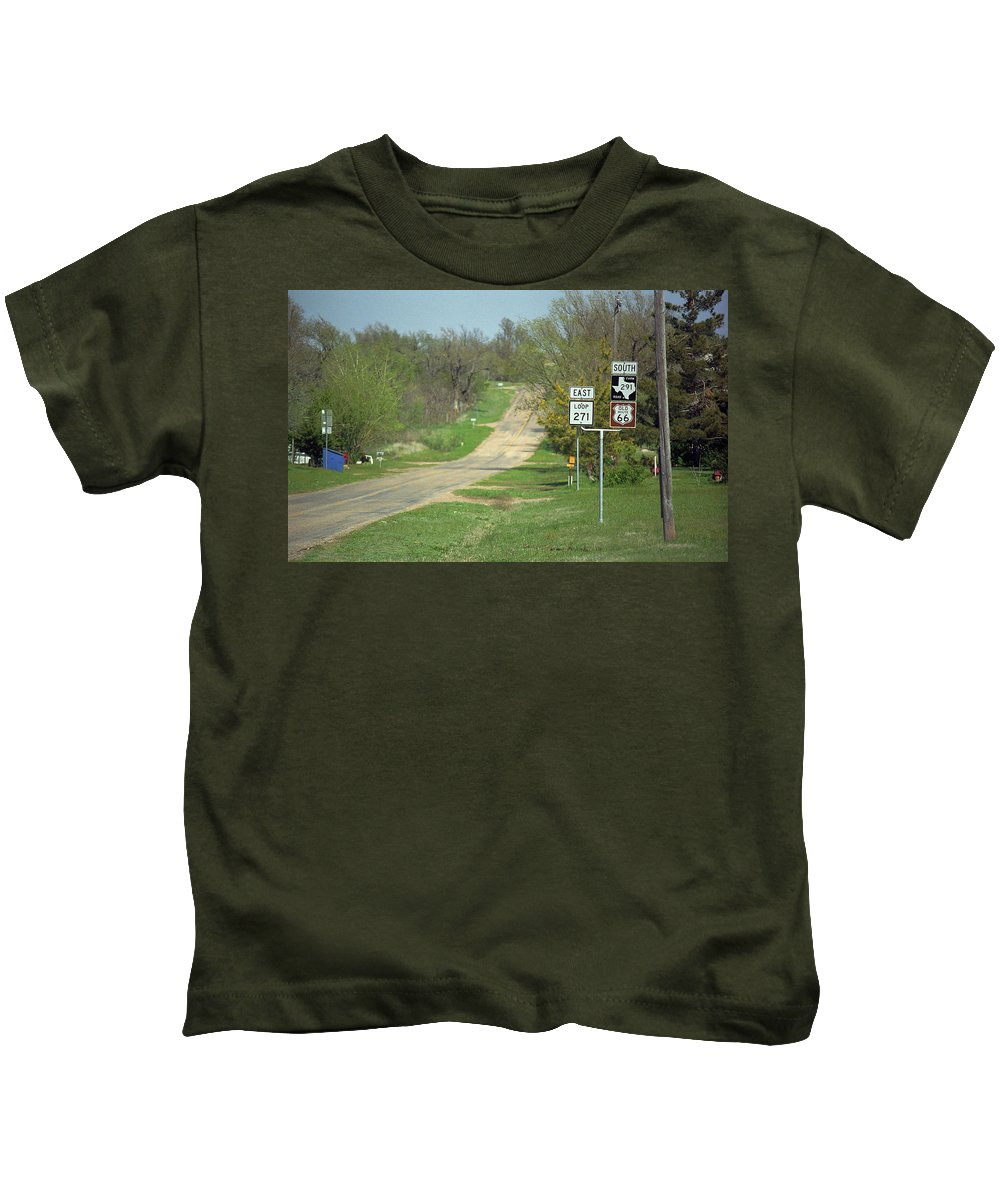 66 Kids T-Shirt featuring the photograph Route 66 - Alanreed Texas by Frank Romeo