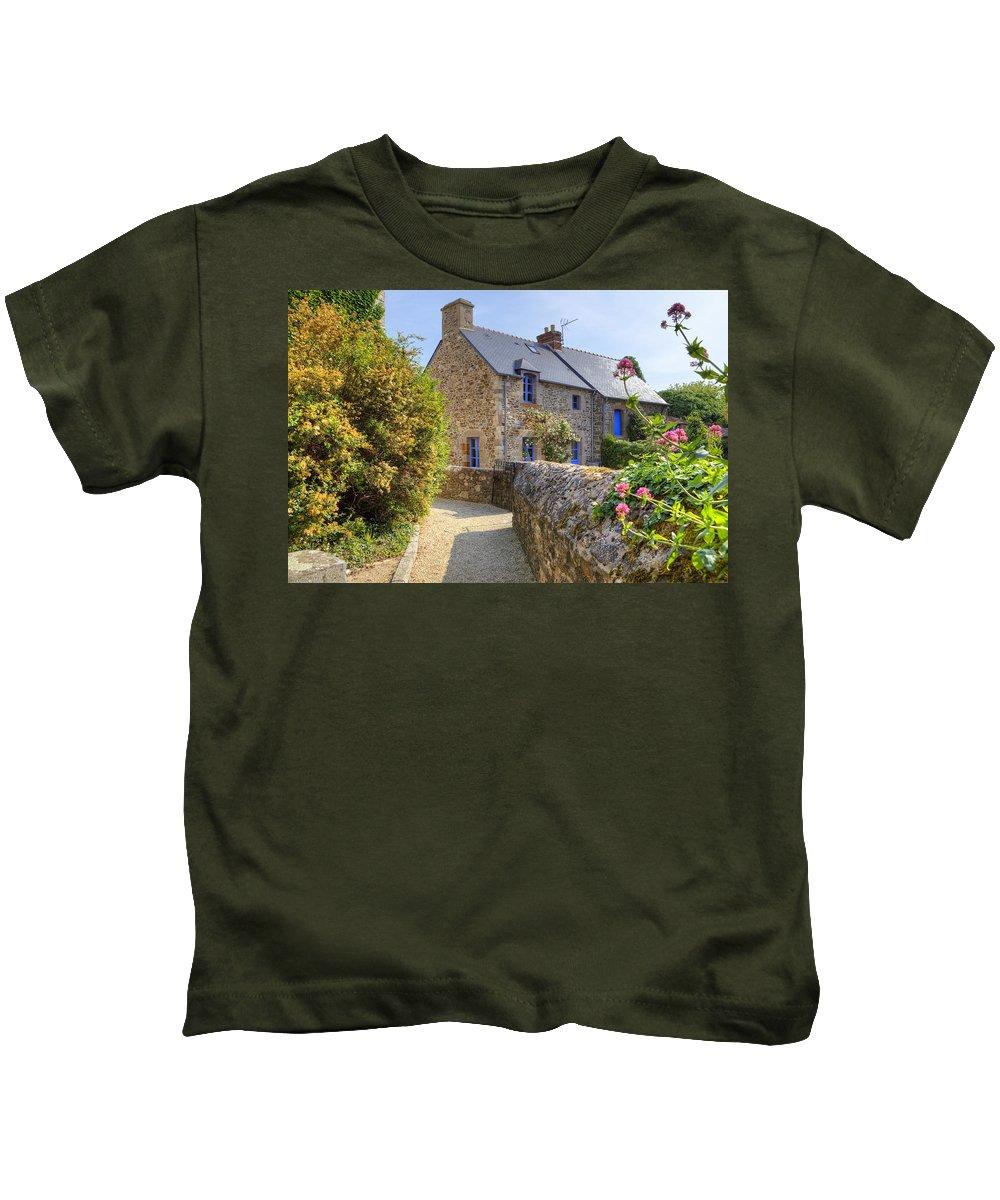 Saint-suliac Kids T-Shirt featuring the photograph Saint-suliac - Brittany by Joana Kruse