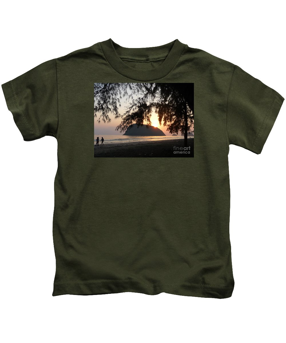 Seascape Kids T-Shirt featuring the photograph Sam Roi Yod At Dawn by Pusita Gibbs