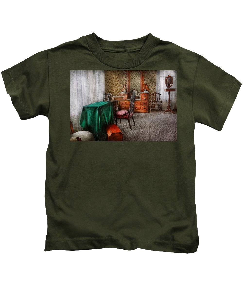 Sew Kids T-Shirt featuring the photograph Sewing - Sewing Can Be Rewarding by Mike Savad