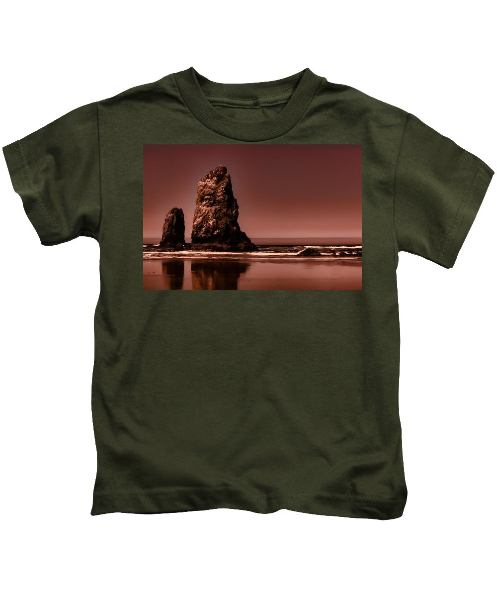 Needle Kids T-Shirt featuring the photograph Siblings To The Left by Monte Arnold