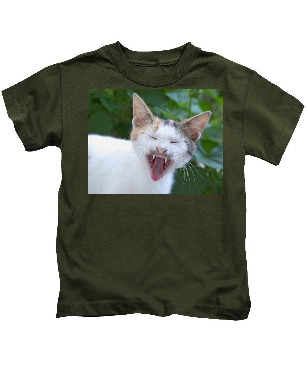 Cats Kids T-Shirt featuring the digital art Smile Please by Roy Pedersen