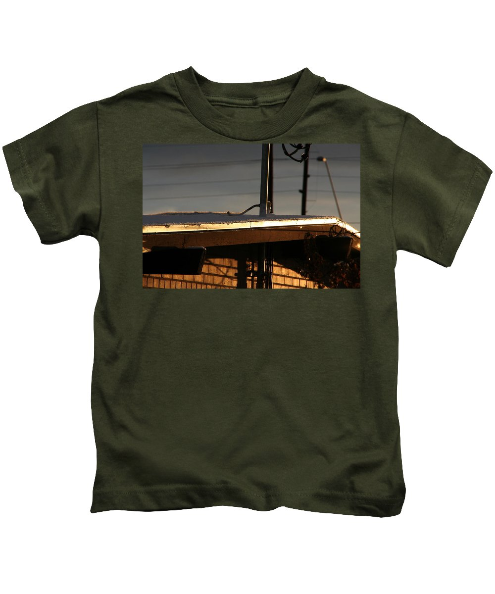David S Reynolds Kids T-Shirt featuring the photograph Snowy Morning by David S Reynolds