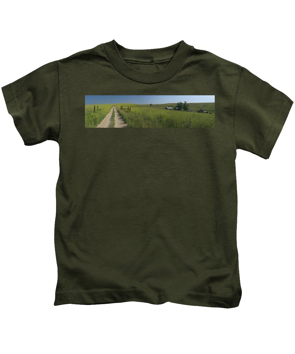 South Dakota Kids T-Shirt featuring the photograph South Dakota Homestead by Garry McMichael