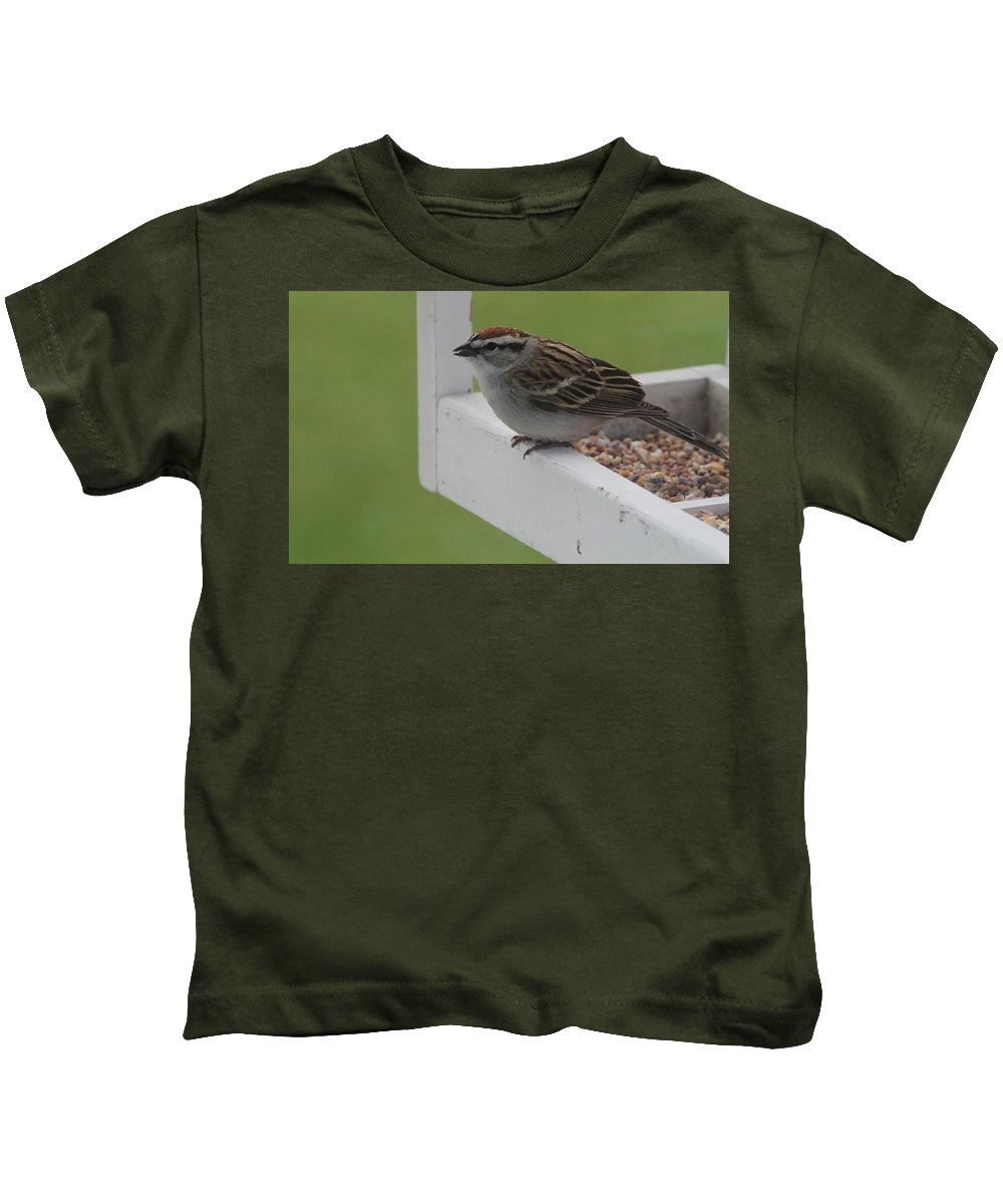 Sparrow Snack Kids T-Shirt featuring the photograph Sparrow On Feeder by Dan Sproul