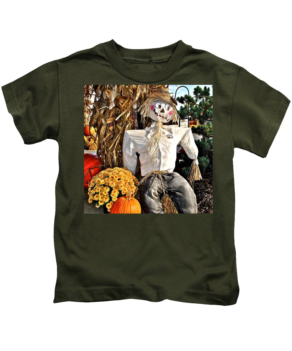 Square Kids T-Shirt featuring the photograph Square Scarecrow by Frozen in Time Fine Art Photography
