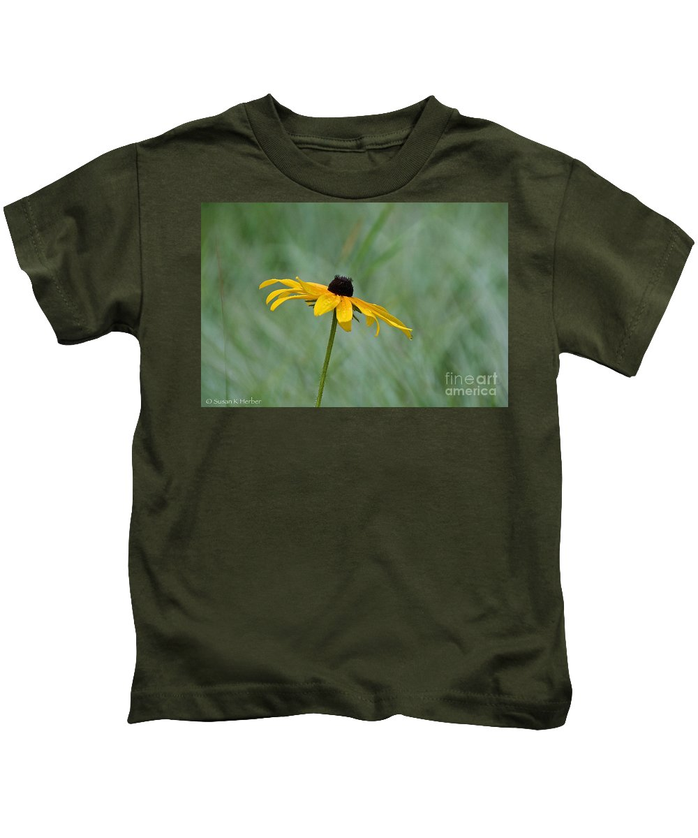 Flower Kids T-Shirt featuring the photograph Stand Alone by Susan Herber