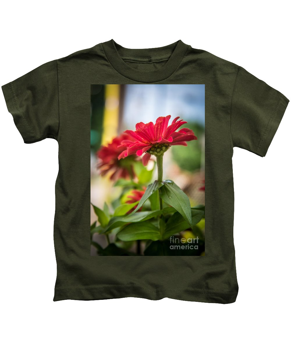 Cityscape Kids T-Shirt featuring the photograph Standing Tall by Andrew Slater