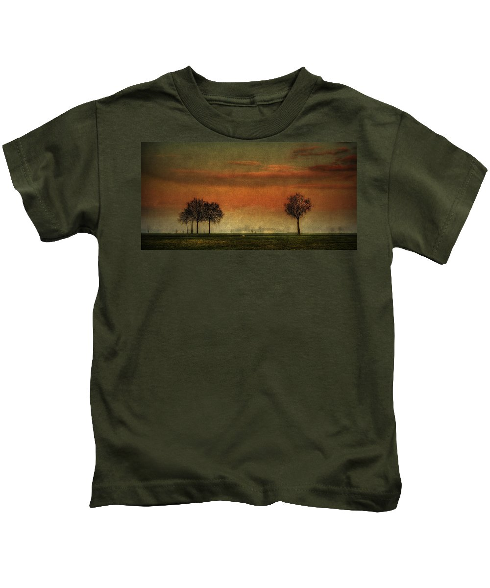 Albairate Kids T-Shirt featuring the photograph Sunset Over The Country by Roberto Pagani
