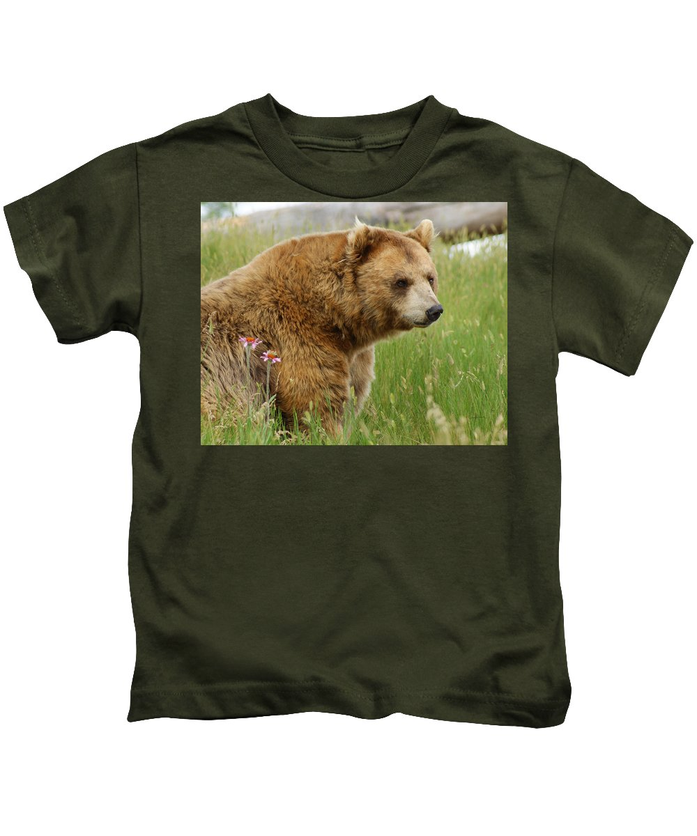 Bear Kids T-Shirt featuring the digital art The Bear Dry Brushed by Ernie Echols
