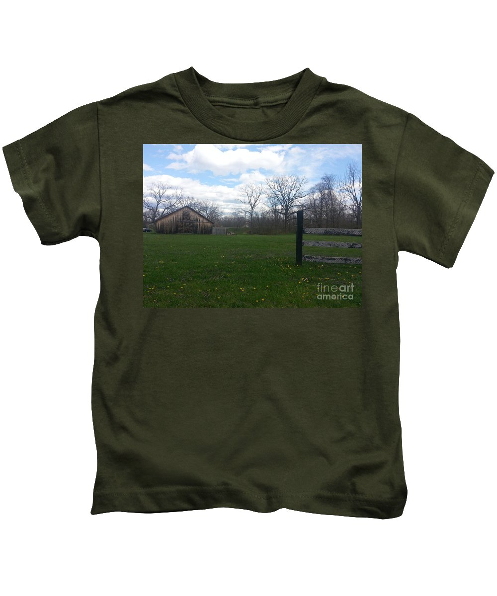Old Kids T-Shirt featuring the photograph The Old Barn by Christy Gendalia