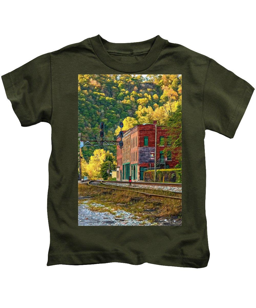 Thurmond Kids T-Shirt featuring the photograph Thurmond Wv - Paint by Steve Harrington