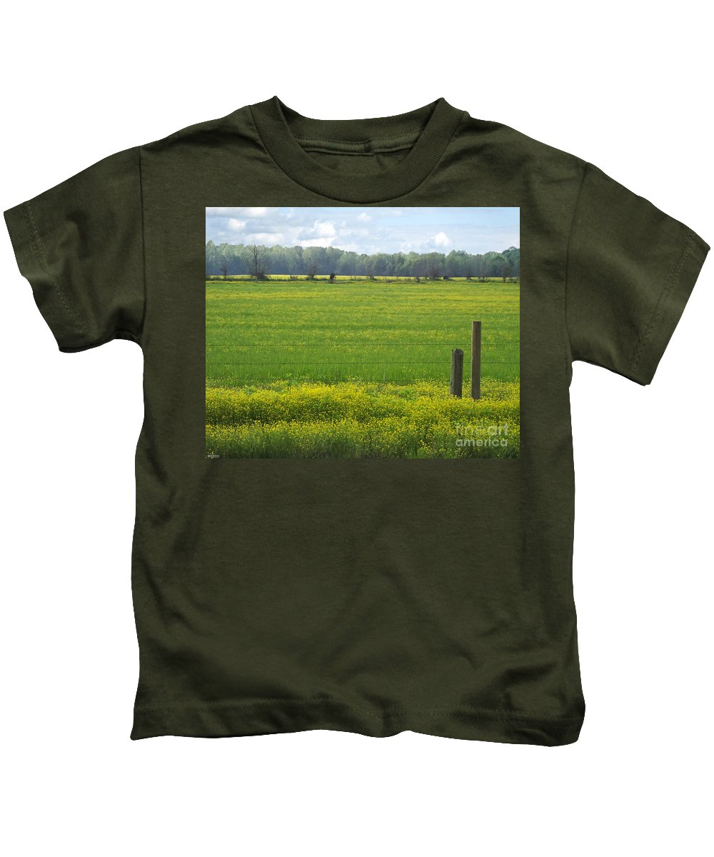 Spring Kids T-Shirt featuring the photograph Wandering Hwy 51 Mississippi by Lizi Beard-Ward