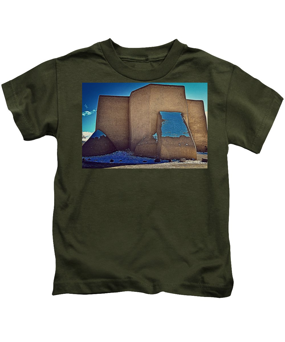 West Kids T-Shirt featuring the photograph West Side by Charles Muhle