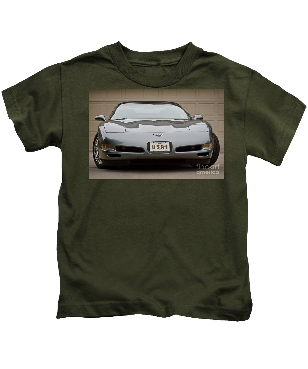 2003 Corvette Kids T-Shirt featuring the photograph 2003 C5 by Dennis Hedberg