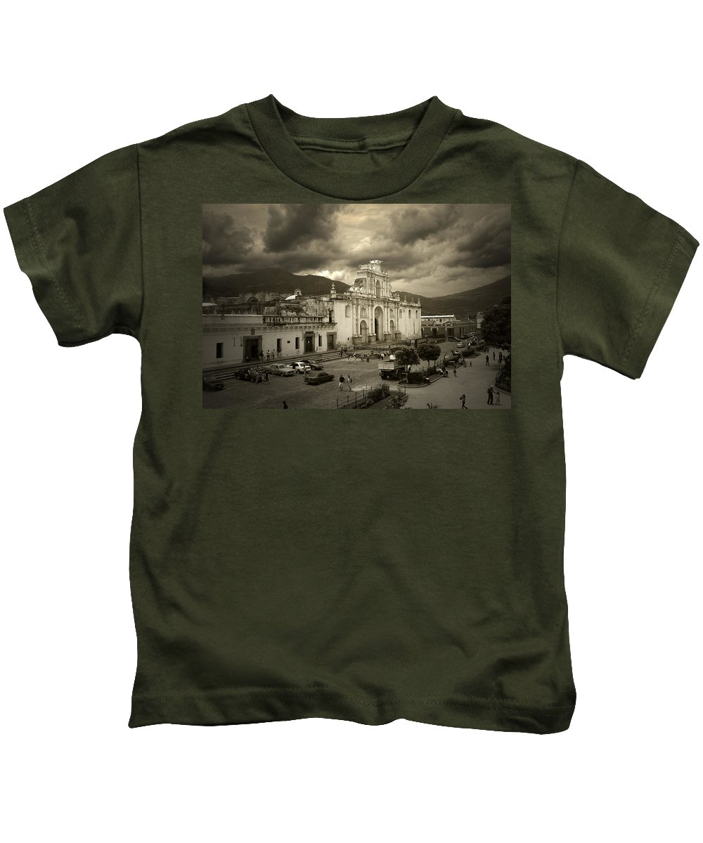Church Kids T-Shirt featuring the photograph Antigua Cathedral by Tom Bell