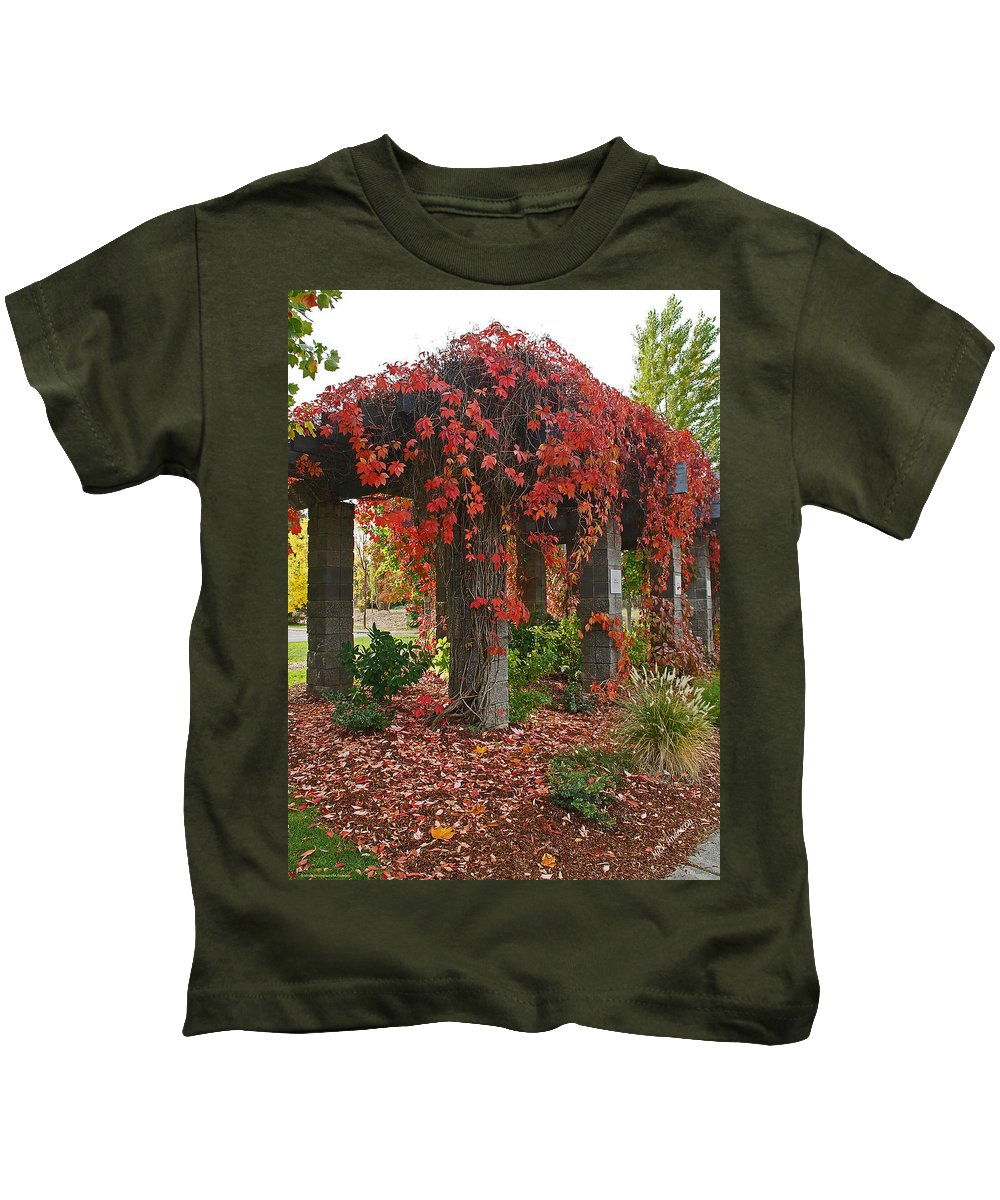 Autumn Kids T-Shirt featuring the photograph Autumn Arbor In Grants Pass Park by Mick Anderson