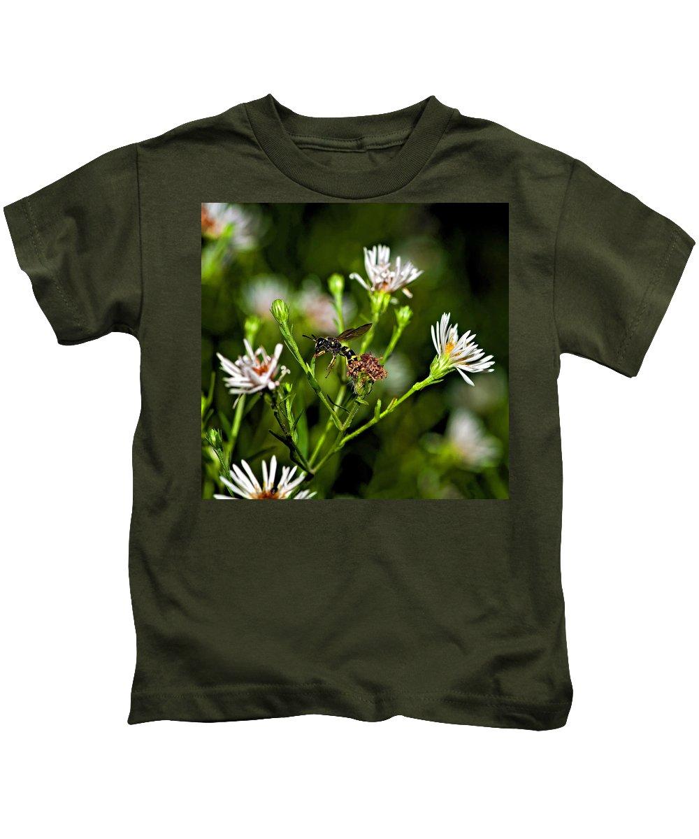 Flower Kids T-Shirt featuring the photograph Between Jobs by Steve Harrington